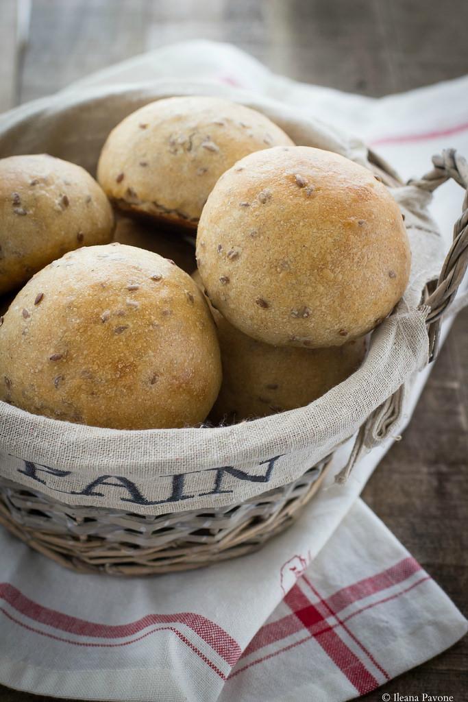 Panini al farro integrale e semi di lino2