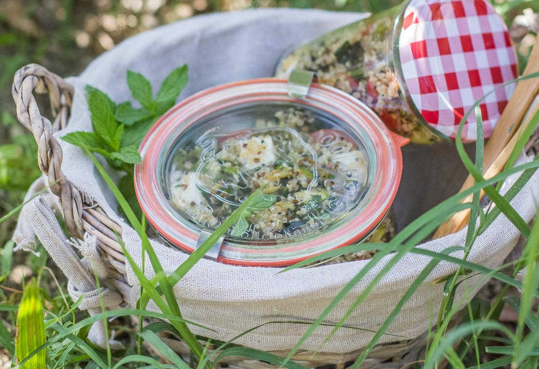 Come preparare l'insalata di quinoa e verdure grigliate