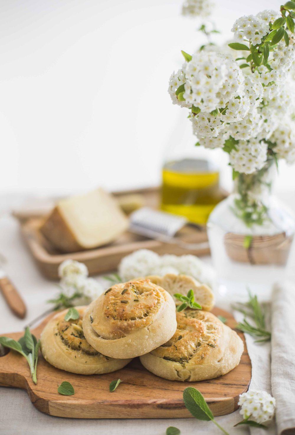 Girelle di pane alle erbe